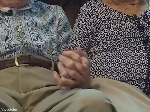 結婚71年の夫婦、同日に亡くなる00