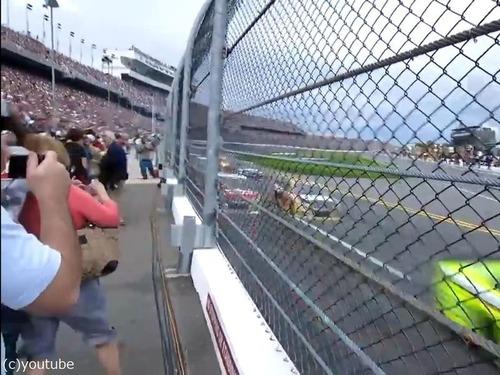テレビではわからないカーレースの迫力02