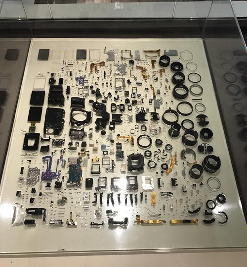 一眼レフのカメラを分解01