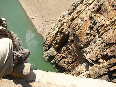 やばすぎるスペインの断崖絶壁「Caminito del Rey」02