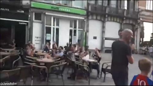 クロアチアの家族が今ベルギーの街を歩くと…01
