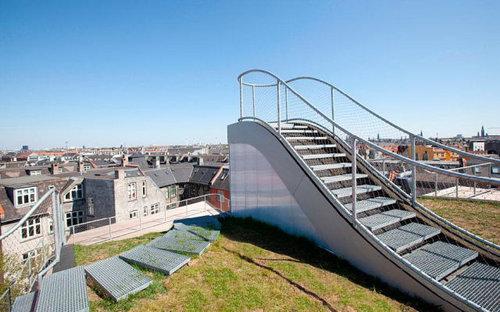 デンマークの屋根の上の遊び場06
