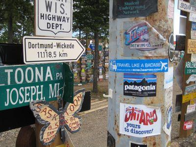 6万5千個の道路標識がある街02