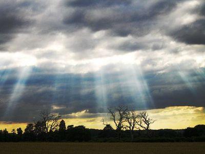 「天使のはしご」薄明光線10