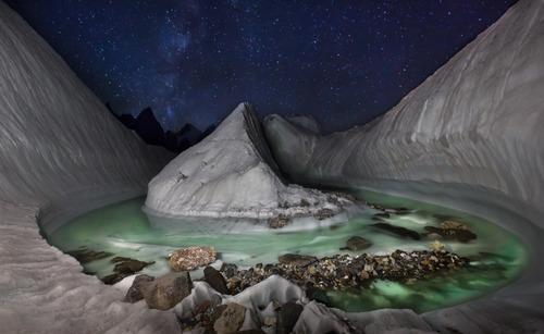 ドローンが発見したヒマラヤ氷河01