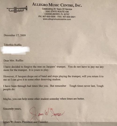 母がトランペット代を払うの苦労していた頃の古い手紙01