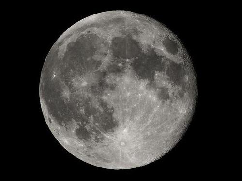 人が撮った、初めてと最後の月の写真00