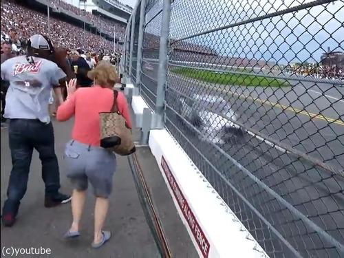 テレビではわからないカーレースの迫力03