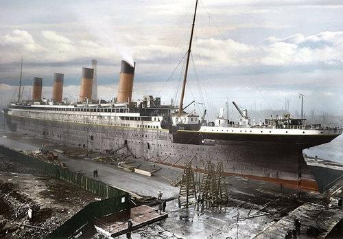 現代の豪華客船とタイタニックを比較04