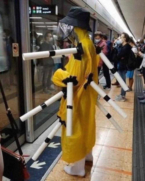 ニューヨーク地下鉄のマスク09