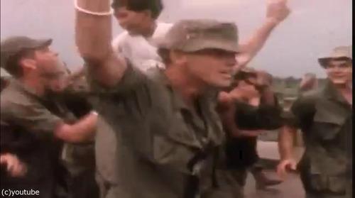 ベトナム戦争の終結をラジオで聞いた米兵06