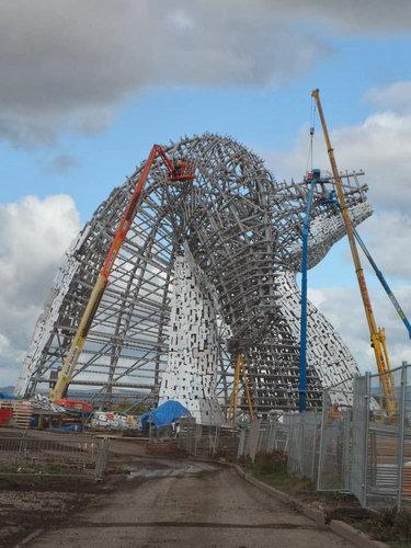 スコットランドにケルピーの巨像04