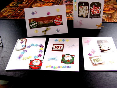 さて……クリスマスカード書かないとな……。ていうか日本だと年賀状なんだけどさ。あーまあ、クリスマスカードより年賀状のほうが〆切は遠いよな、うん。日本に生まれてよかった。