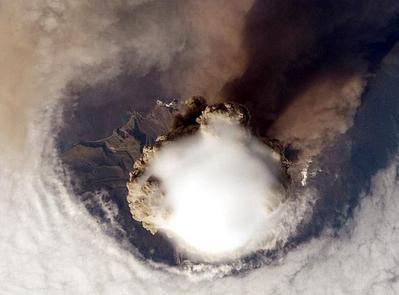 サリチェフ山噴火03