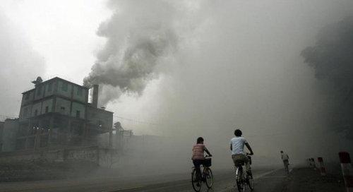 中国のもはや手に負えない公害01
