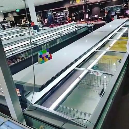 ドイツのスーパーの人種差別アピール05