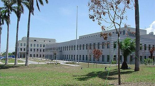 ガーナで偽のアメリカ大使館04