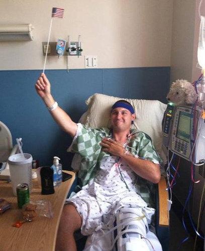 病気で足を切断した男性のユーモア10