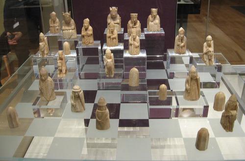 古いチェスの駒1個が1億3600万円01