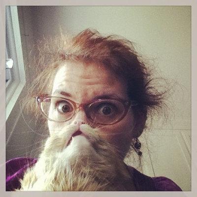猫でヒゲ遊び15