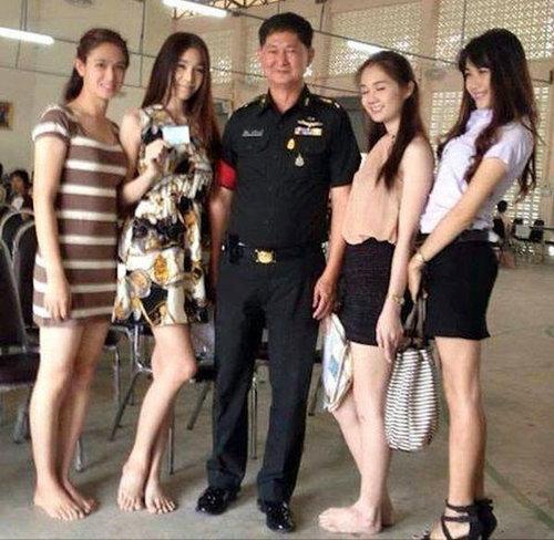 タイの徴兵検査とニューハーフ14