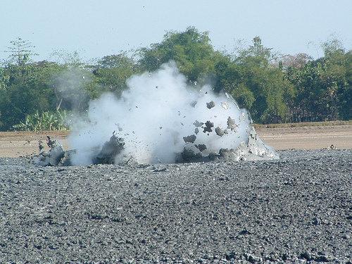 泥火山の泡11