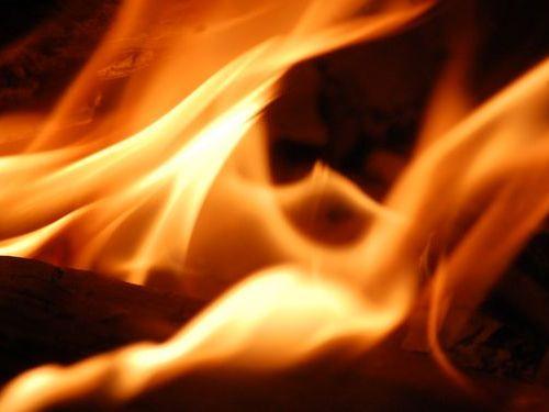 火葬場が火事に00
