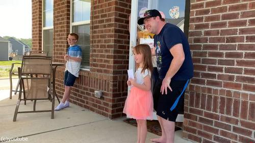 テネシー州の警官が子供たちにハッピバースデー05