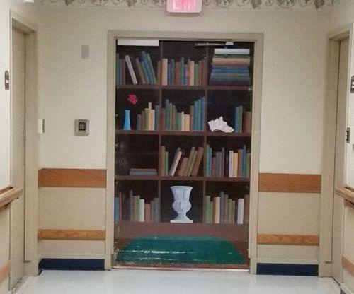 アルツハイマー病棟のドア02
