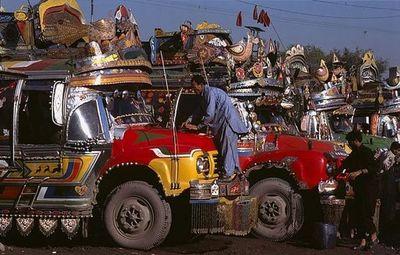 パキスタンのデコトラ03