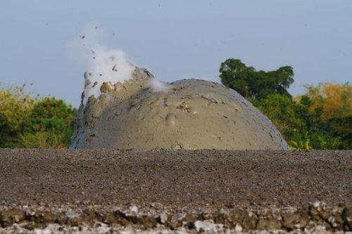 泥火山の泡02