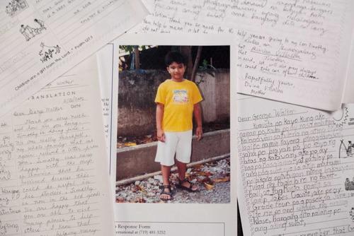 ブッシュ元米大統領、フィリピンの少年を匿名で10年間支援01