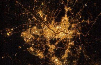 宇宙ステーションから見た世界の大都市の夜景16