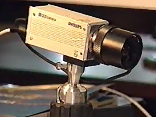 「WEBカメラはどういう目的で発明されたの?」00