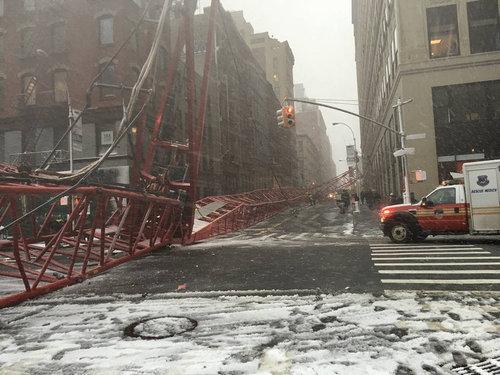 ニューヨークのクレーン転倒事故03
