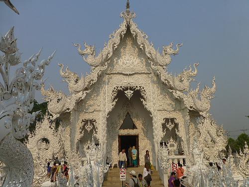 タイの寺が、中国人用のトイレを隔離01