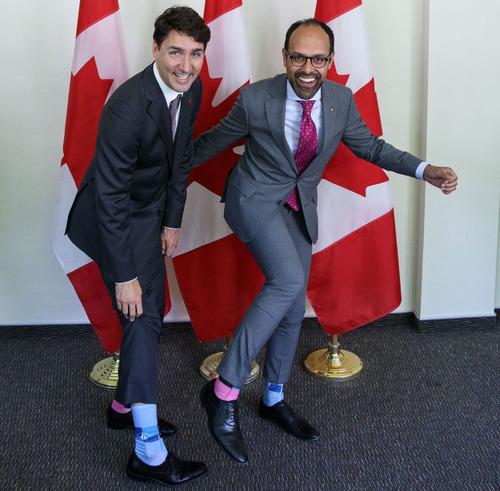 カナダ首相の靴下09