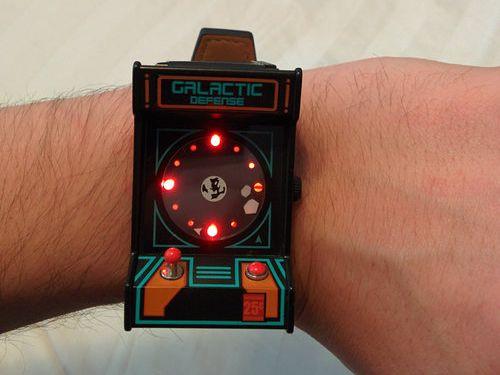ユニークな腕時計03