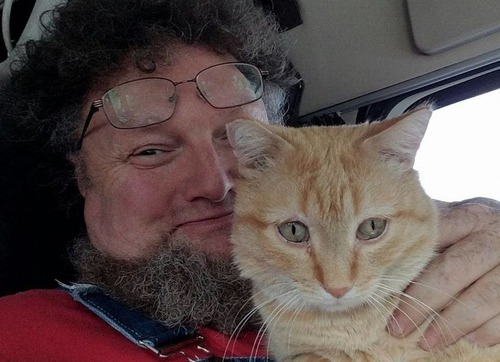 トラック運転手の猫が行方不明も意外な再会01