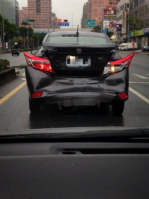 トヨタ車が後ろからぶつかられるとデストロン01