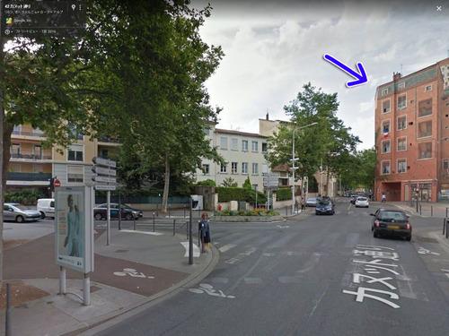 ゴミのポイ捨てが減ったフランスの建物00