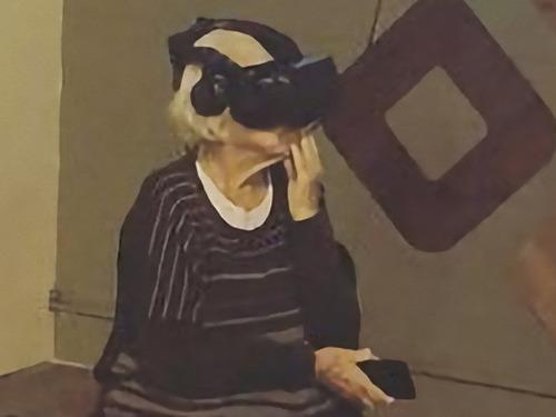 93歳のおあちゃんがVR体験した00