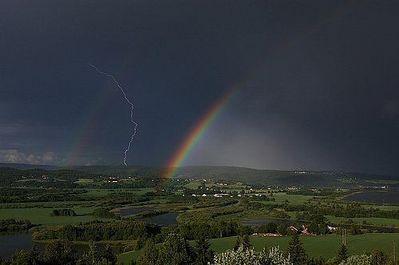 虹と雷04
