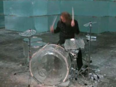 氷でできたドラム