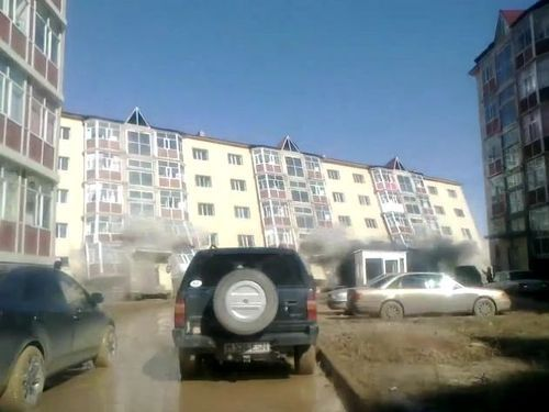 カザフスタンのアパート倒壊00