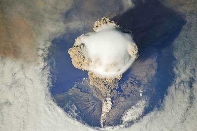 サリチェフ山噴火04