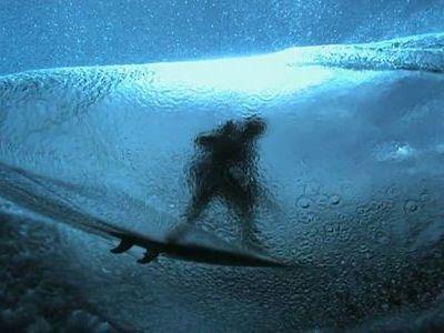 暑さも吹き飛ぶサーフィン