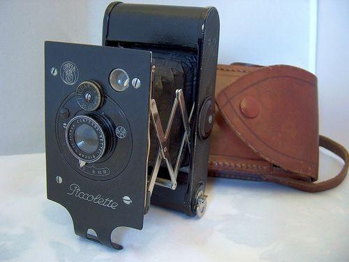 100年前のカメラ00