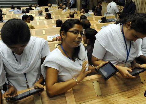 インドの格安タブレット端末01