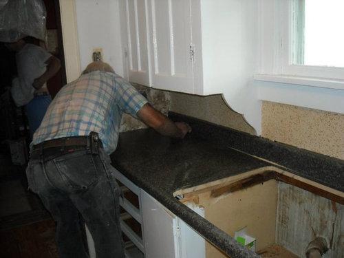 キッチンを44時間で改装09